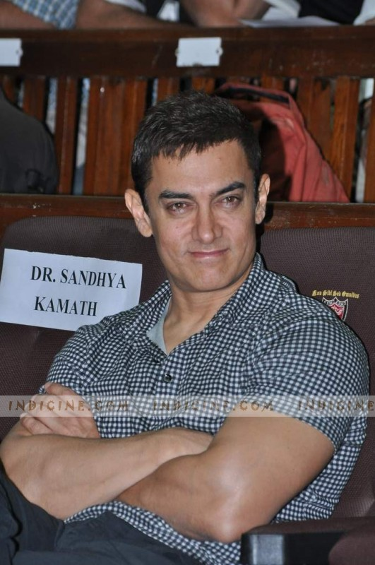 Aamir Khan - KEM Hospital
