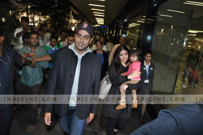 Abhishek, Aishwarya, Aaradhya return from New York