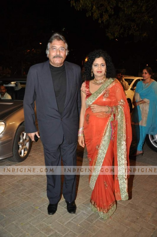 Vinod Khanna - Geetanjali Khanna at Bharat's wedding reception