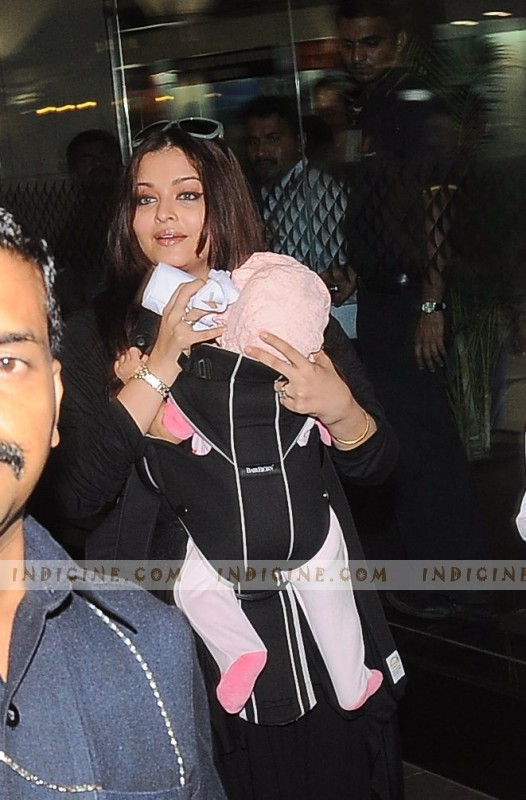Aishwarya Rai with Aaradhya at the airport