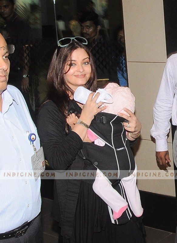 Aishwarya Rai snapped with Aaradhya