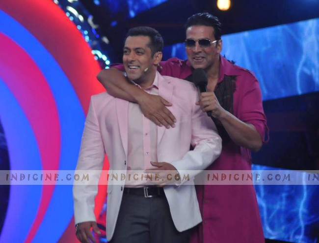 Salman Khan with Akshay Kumar on Bigg Boss