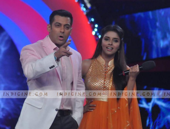 Salman Khan with Asin on Bigg Boss