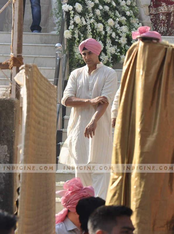 Akshay Kumar at his sister Alka Bhatia's wedding