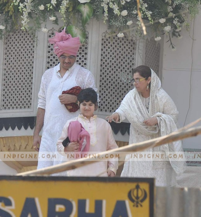 Aarav Bhatia with grandmother Dimple Kapadia