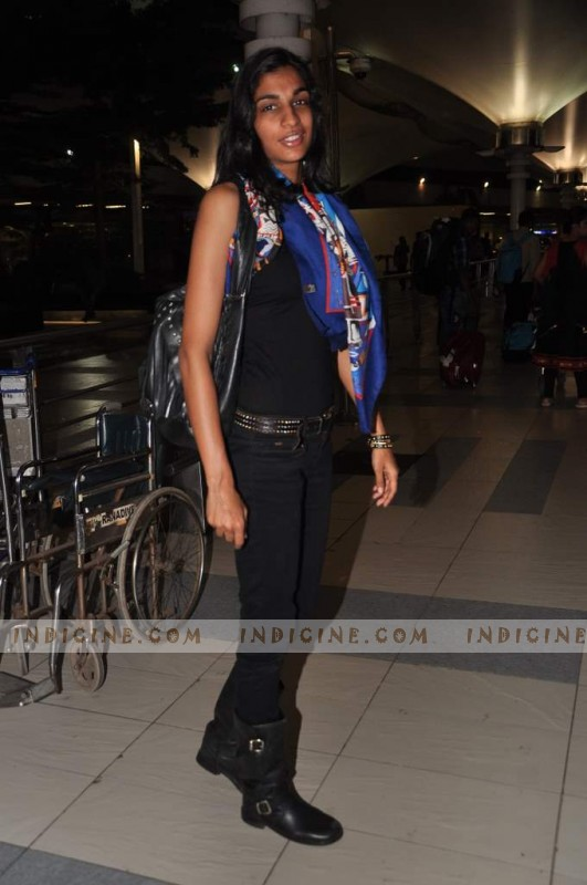 Anushka Manchandani at the airport