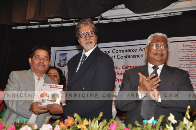 University of Mumbai felicitates Big B