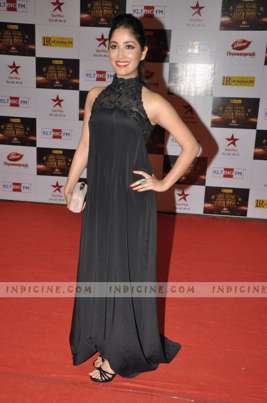Yami Gautam at Big Star Awards red carpet