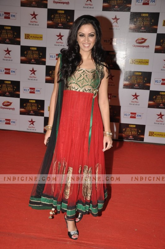 Maryam Zakaria at Big Star Awards red carpet