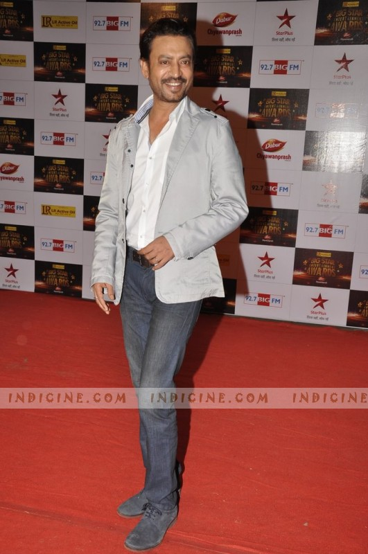 Irfan Khan at Big Star Awards red carpet