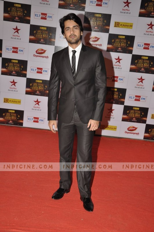 Taaha Shah at Big Star Awards red carpet