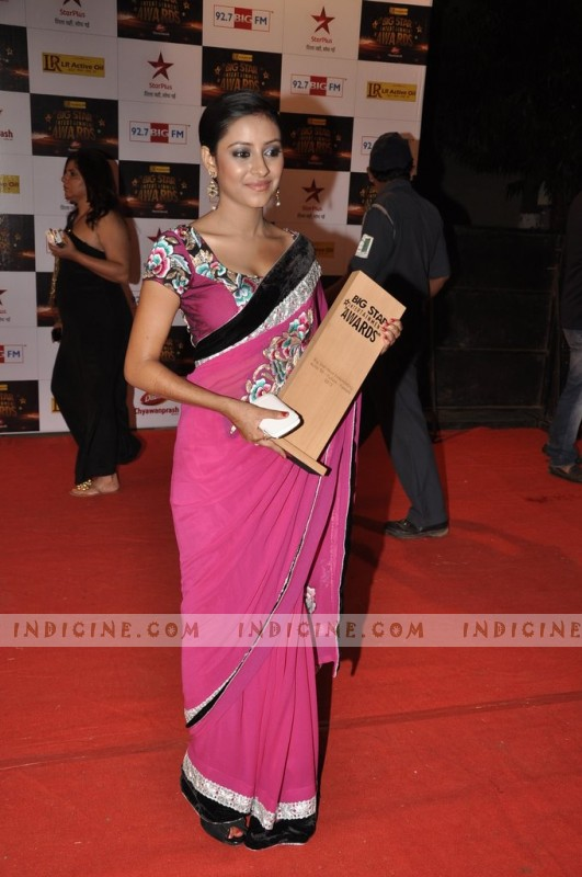 Pratyusha Banerjee at Big Star Awards red carpet