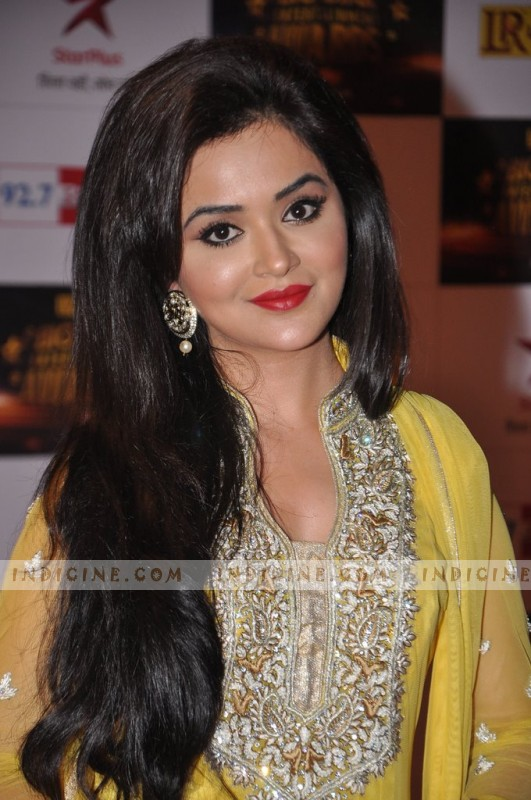 Ragini Nandwani at Big Star Awards red carpet