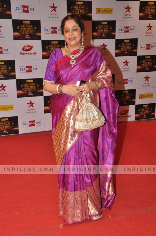 Kirron Kher at Big Star Awards red carpet