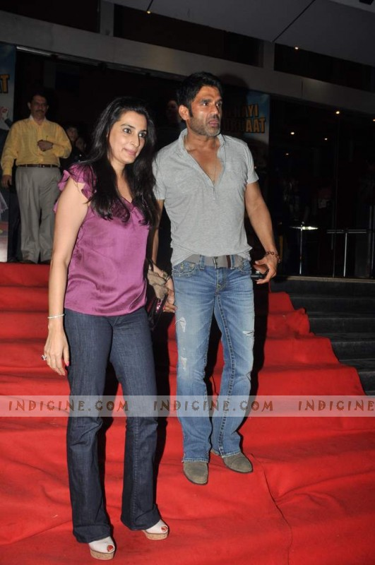 Sunil Shetty with his wife Mana shetty at Bol Bachchan special screening