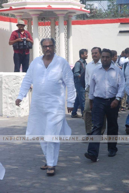 Boney Kapoor at Mona Kapoor's funeral