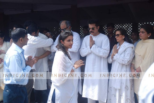 Parineeti Chopra, Boney Kapoor and Anil Kapoor at Mona Kapoor's funeral