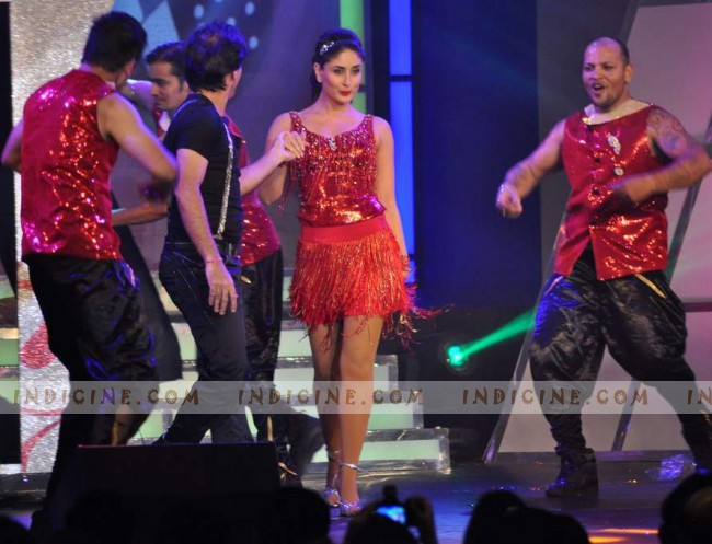 Kareena Kapoor performs at Credai Real Estate Awards