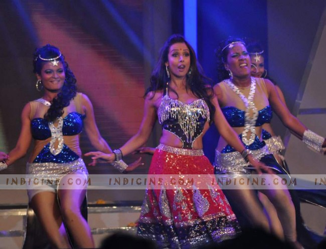 Malaika Arora Khan performs at Credai Real Estate Awards