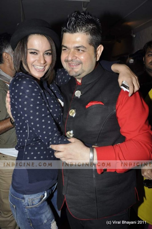 Kangana Ranaut with Ratnani at Dabboo Ratnani's 2012 Calendar launch