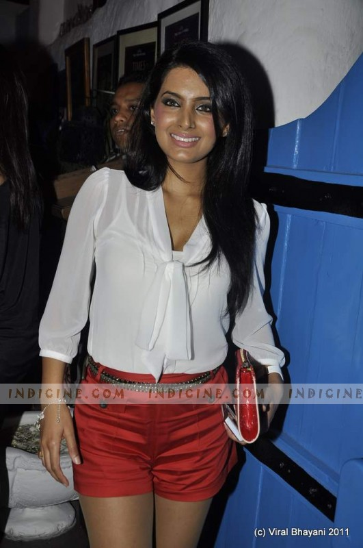 Geeta Basra at Dabboo Ratnani's 2012 Calendar launch