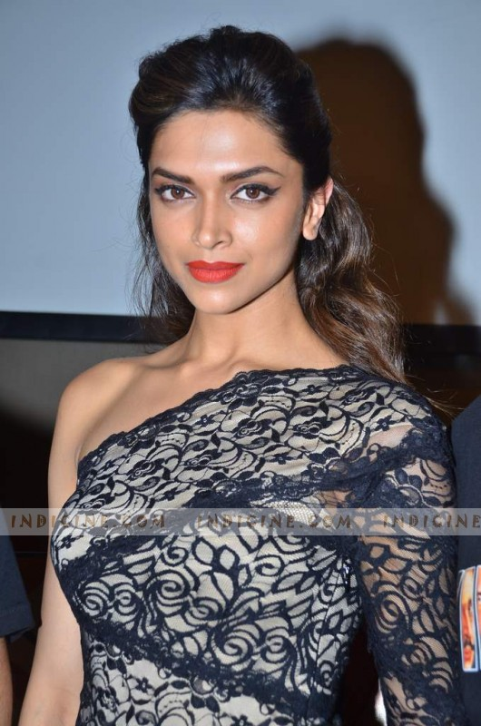 Deepika launches Raj Pablo's Bollywood T-shirt