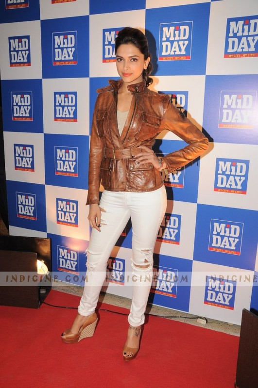 Deepika Padukone at Mid Day Mumbai Anthem launch