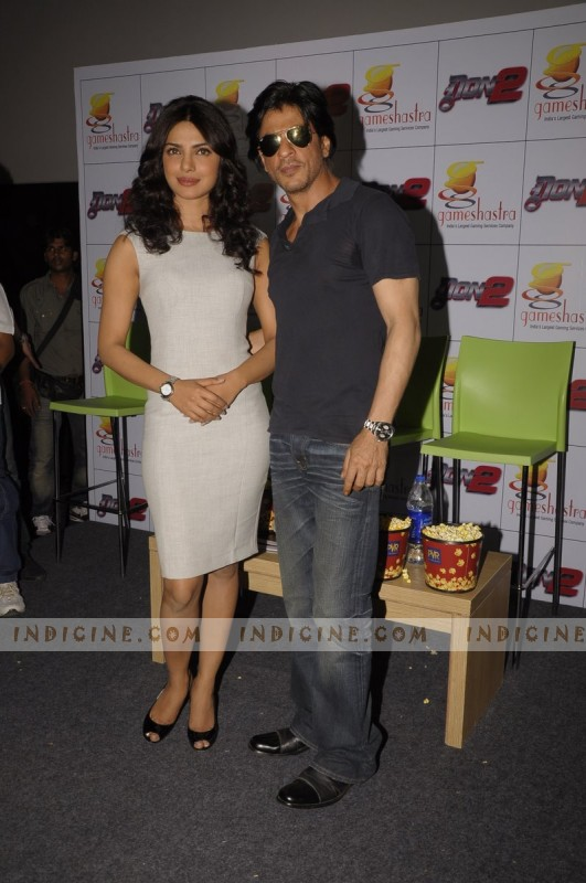 SRK with Priyanka
