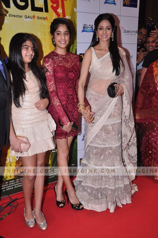 Sridevi with daughters Janvi and Khushi