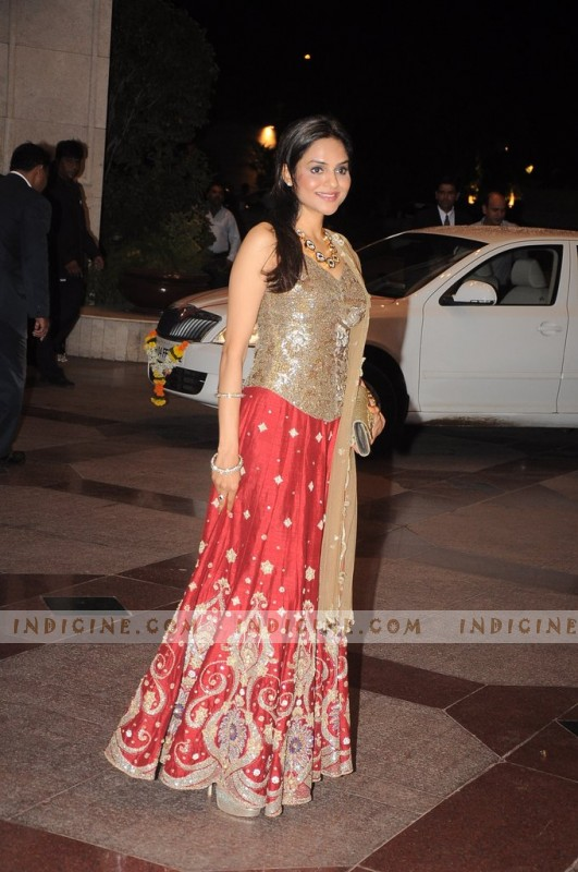 Madhoo at Esha Deol's sangeet ceremony 