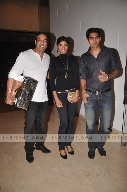 Vindu Dara Singh, Vijendra Singh  at Farah Khan's House Warming ceremony