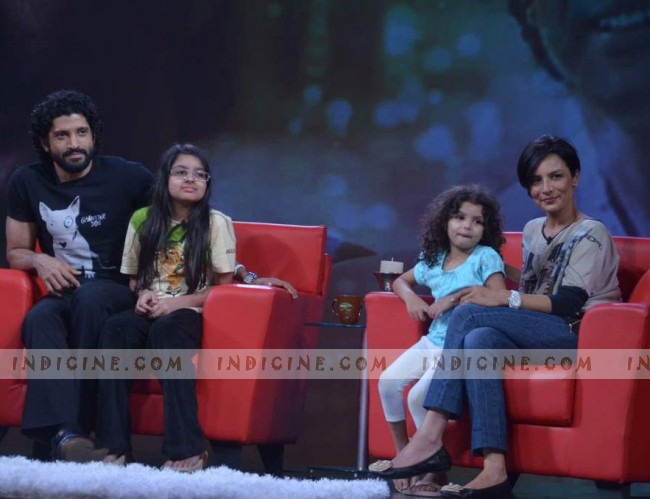 Farhan, Akira, Shakya and Adhuna Akhtar on the sets of NDTV Issi Ka Naam Zindagi