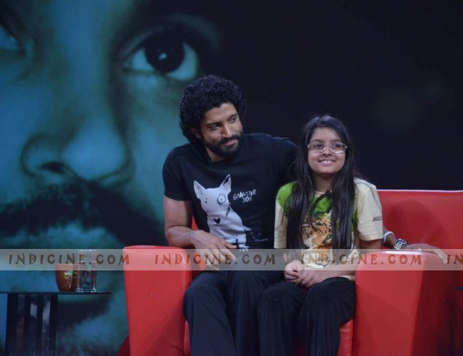 Farhan Akhtar with daughter Akira on the sets of NDTV Issi Ka Naam Zindagi