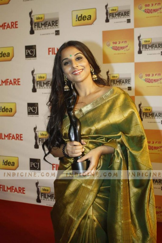 Vidya Balan at 57th Idea Filmfare Awards 2012 Red Carpet