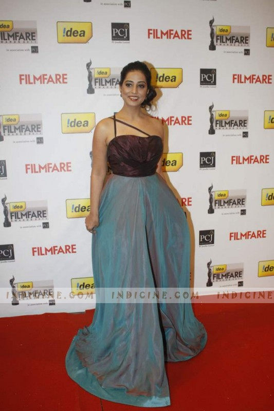 Mahie Gill at 57th Idea Filmfare Awards 2012 Red Carpet