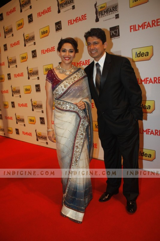 Madhuri Dixit with husband Dr Sriram Madhav Nene at 57th Filmfare Awards 2012 Red Carpet