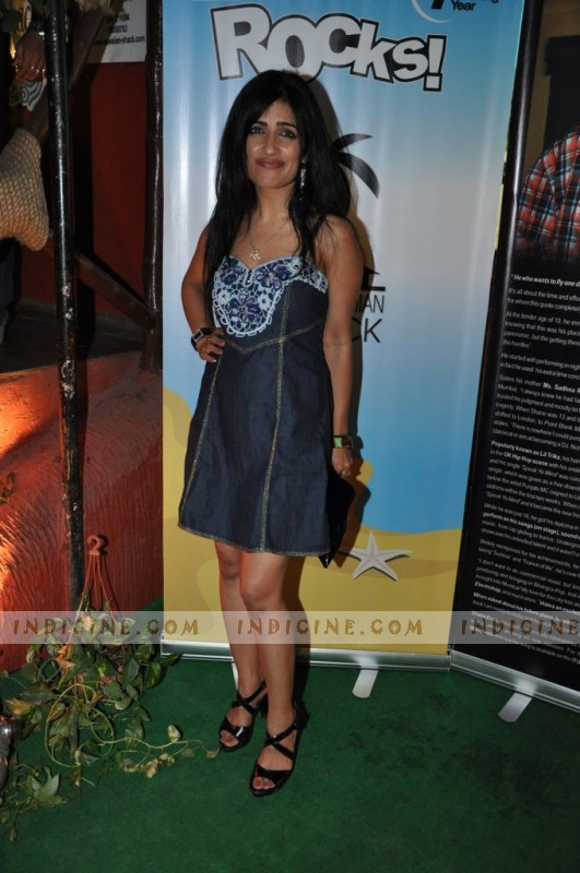 Shibani Kashyap at Hawaiin Shack 7th anniversary bash