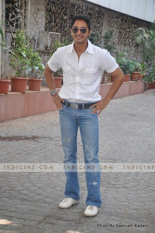Shreyas Talpade Housefull 2 bash at Akshay Kumar's House