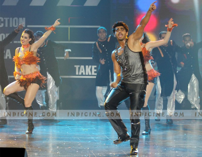 Arjun Kapoor performs at IIFA Rocks 2013