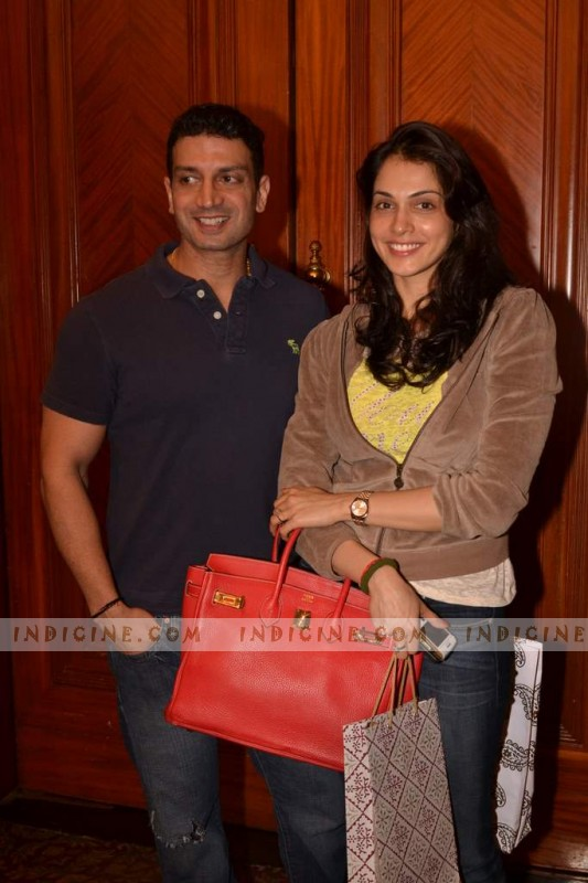 Timmy Narang with wife Isha Koppikar