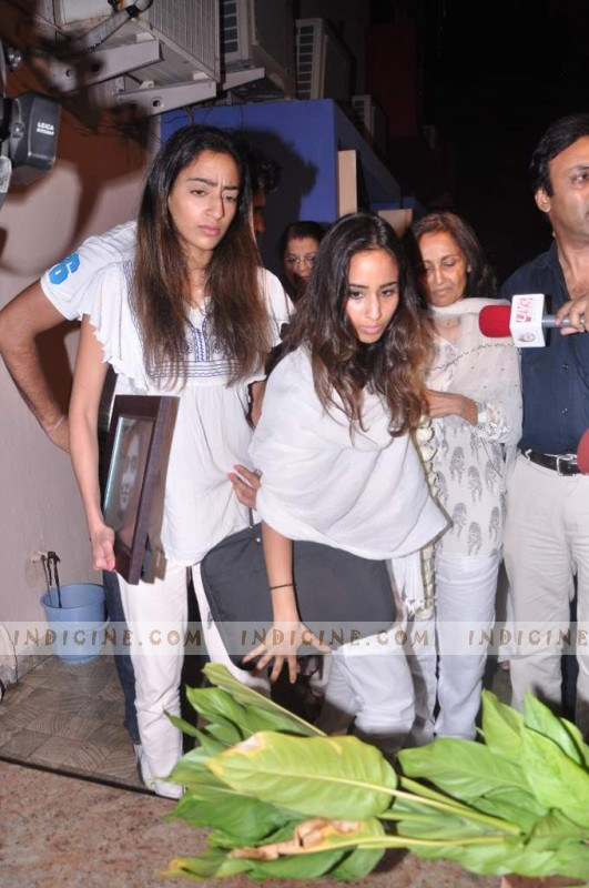 Jiah Khan's prayer meet