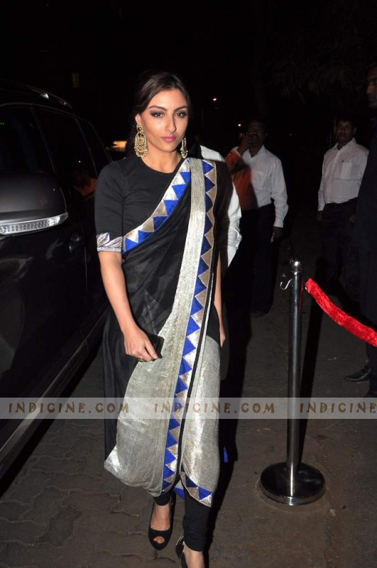 Soha Ali Khan at Kareena Kapoor's sangeet ceremony