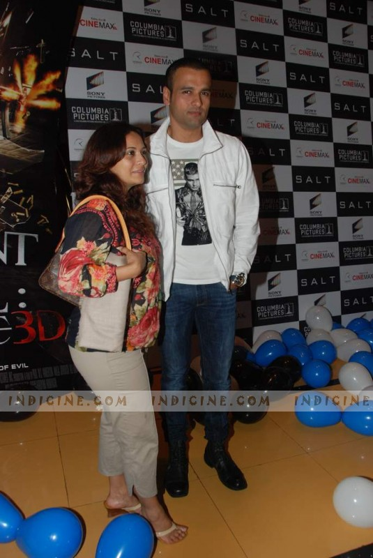 Rohit Roy, Manasi Joshi Roy at Salt premiere