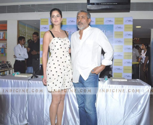 Katrina Kaif and Prakash Jha at the launch of book 'Raajneeti' 