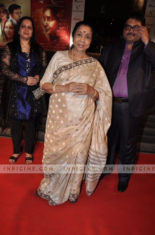 Asha Bhosle at Mai Premiere