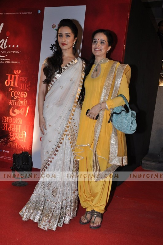 Shraddha Kapoor with mother Shivangi Kohlapure