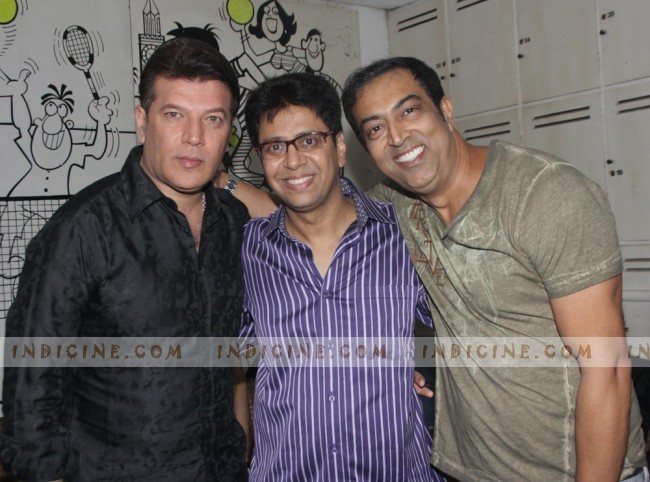 Aditya Pancholi, Vindu Dara Singh at Anand Saxena birthday bash