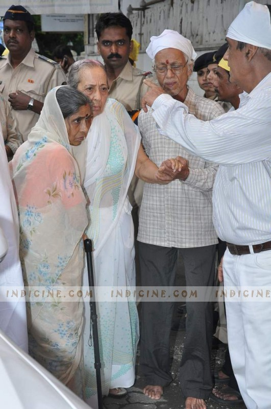 Shukla Sikhand at Pran's prayer meet
