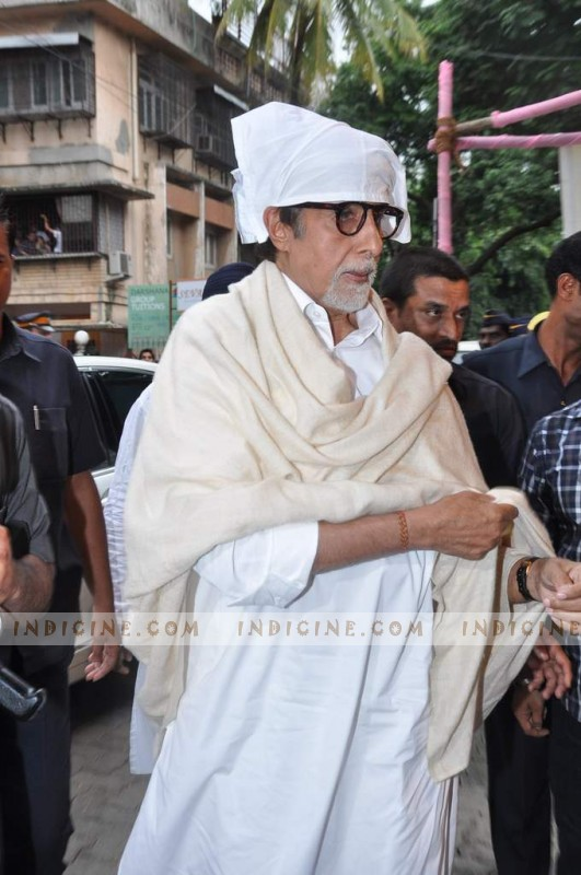 Amitabh Bachchan at Pran's prayer meet