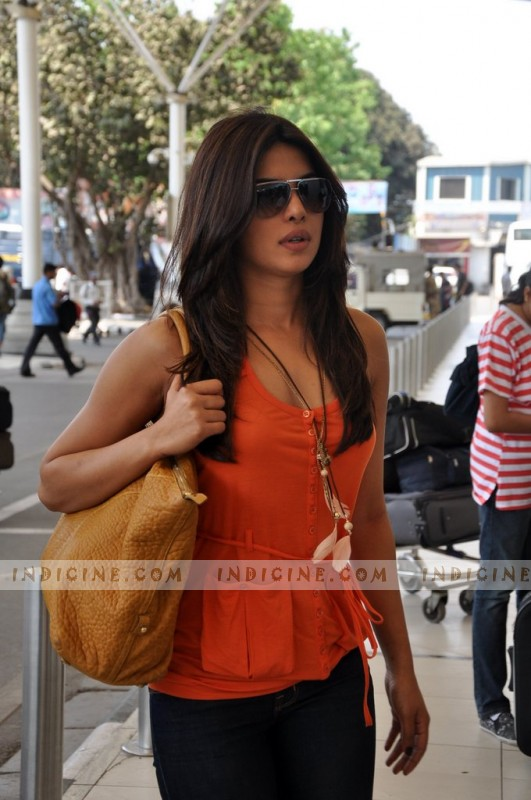 Priyanka Chopra at Mumbai airport for attend wedding in Jaipur